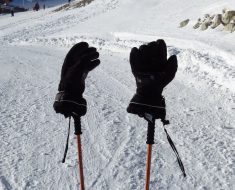 Best Skiing Gloves and Mittens